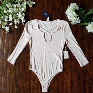 NWT FOREVER 21| Light Pink Beige Bodysuit Plunge